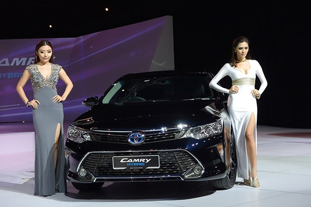 Toyota正式发布2015小改款Camry!