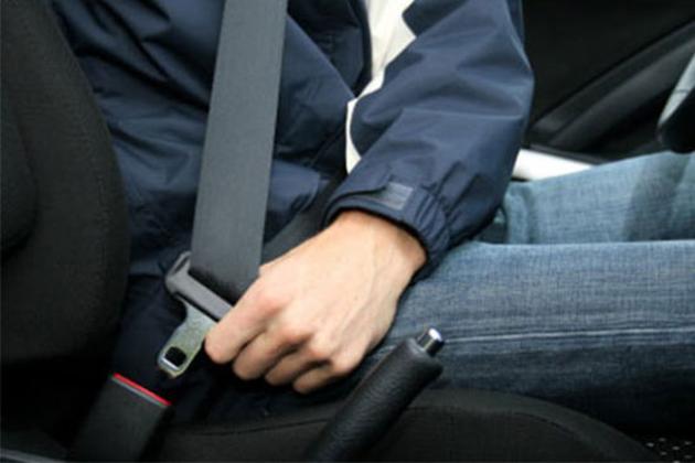 没系后座安全带,违例者将罚款300令吉!