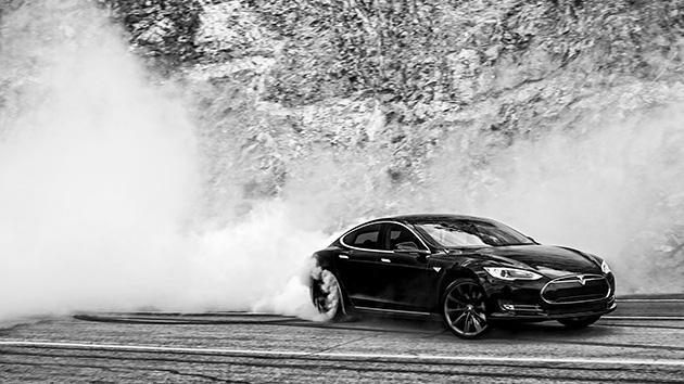 最强悍电动车!Tesla Model S P85D静止到100仅需2.8秒!
