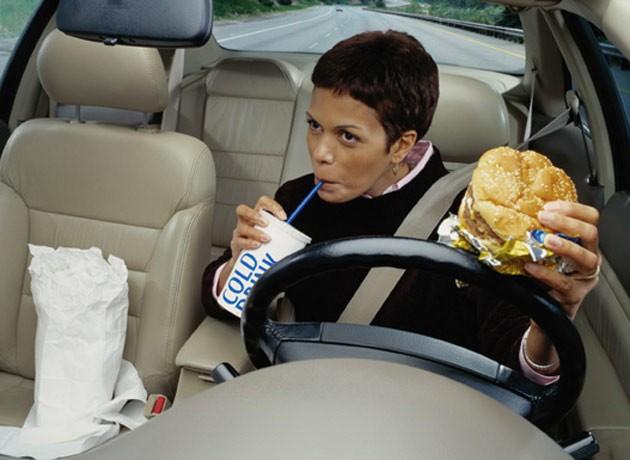 最讨厌朋友在你车上的行为?