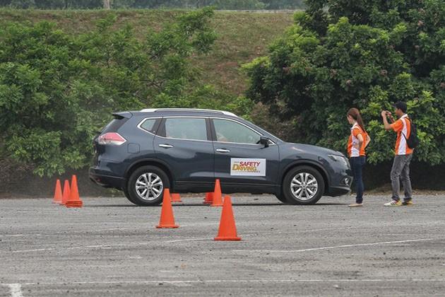 买车要求完整的汽车安全配备,但是你知道怎么用那些安全配备吗?