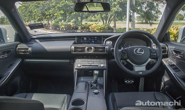 Lexus IS200t F-Sport,日系后驱涡轮轿跑!