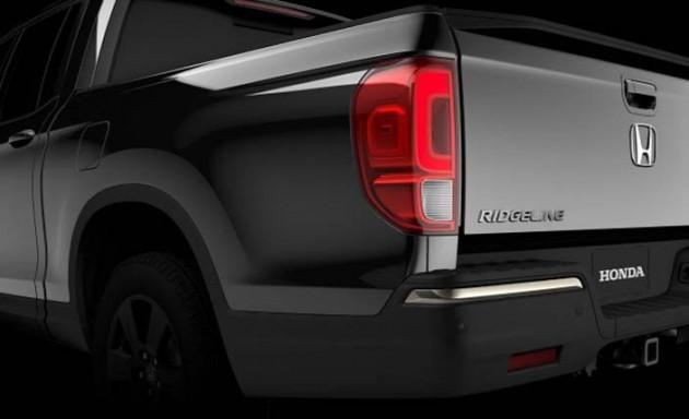Honda全新皮卡Ridgeline车尾照现身!将亮相北美车展!
