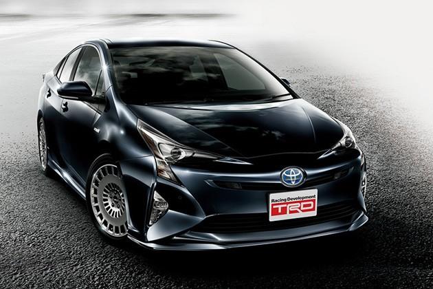 什么车都要TRD一下!Toyota在东京改装车展展出Prius TRD版本!