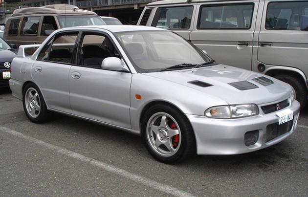 经典谢幕!回顾Mitsubishi Lancer Evo十个世代!