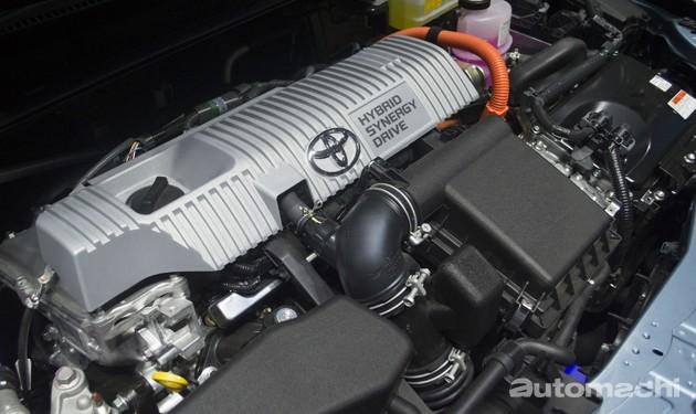 2016北京车展直击:独特闪电眼!Toyota Corolla Hybrid震撼登场!