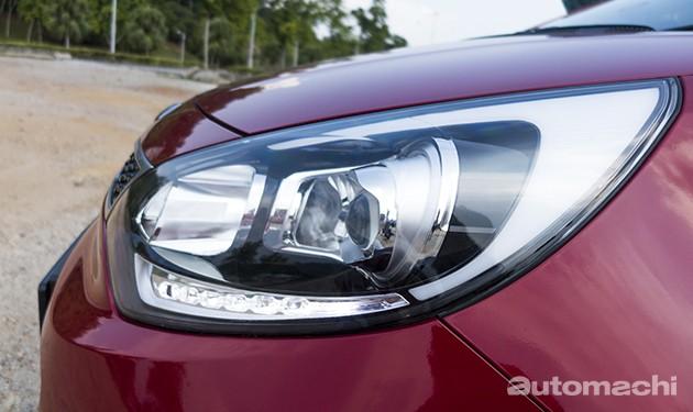 IIHS首波测试头灯亮度成绩出炉!仅有Toyota Prius V获得Good的成绩!