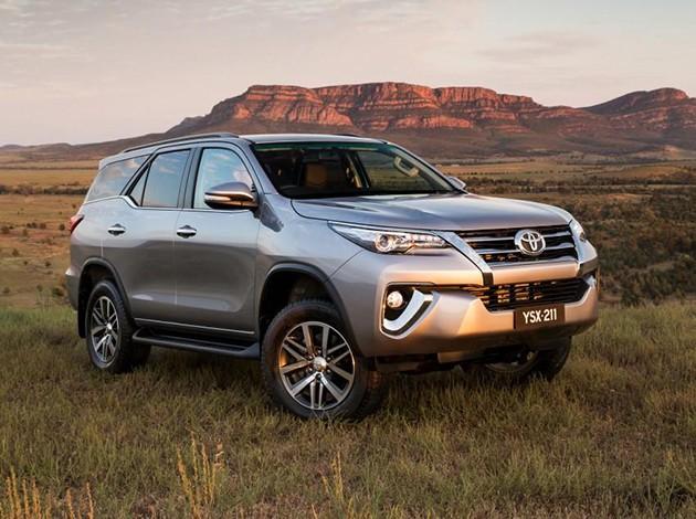 Toyota Fortuner官方宣传册曝光,将会有两个车型可以选择!