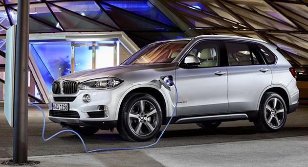 马来西亚宝马集团于 #ElectricDrivingPleasure 活动预示宝马X5 xDrive 40e混合动力汽车.