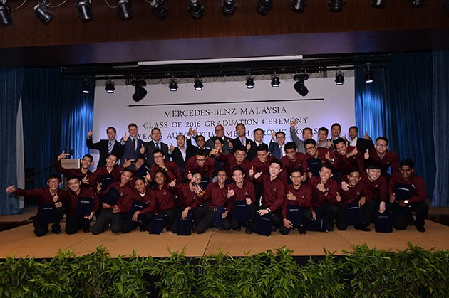 "Mercedes-Benz Malaysia 学徒培训中心 ""第11届""学徒毕业!"