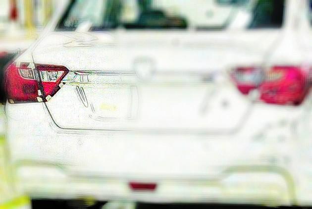 Proton Saga 2016首张无伪装谍照现身!