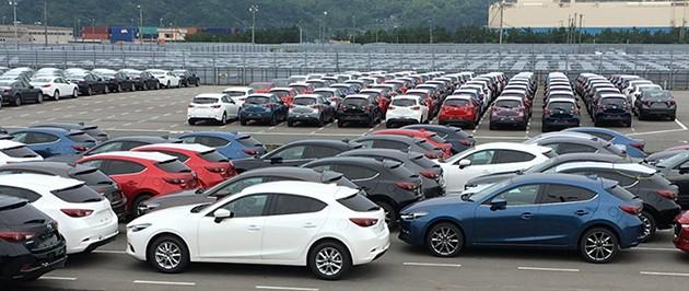 发布在即!Mazda3小改款现身日本广岛原厂!