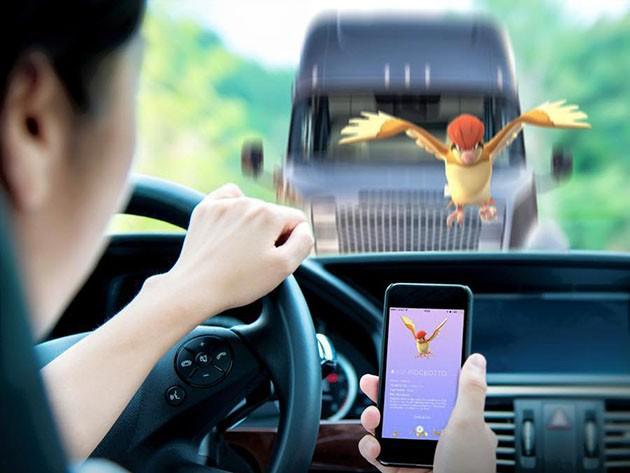 小心!开车时请不要游玩Pokemon Go!