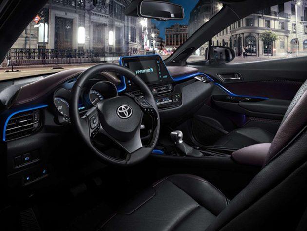 12月见!官方大量公布 Toyota C-HR 宣传影片!