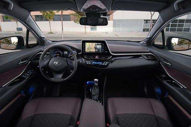 2017 Toyota C-HR 内部空间首次曝光! | automachi.com