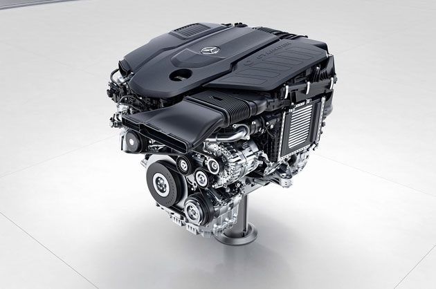 Mercedes-AMG A45 2018 电控涡轮上身,马力突破 400 hp!