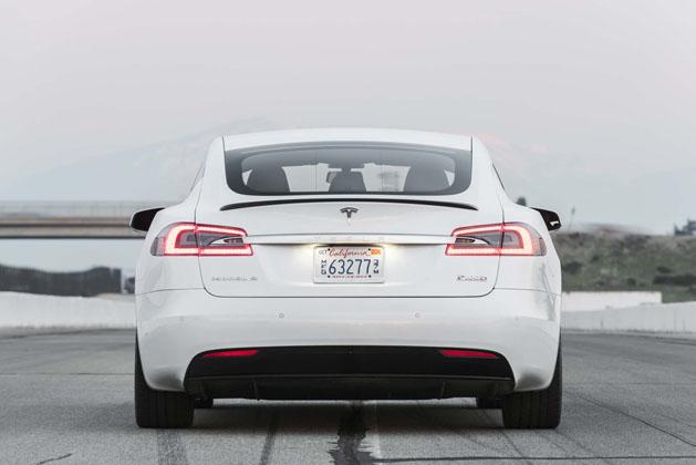 2017-tesla-model-s-p100d-rear-end