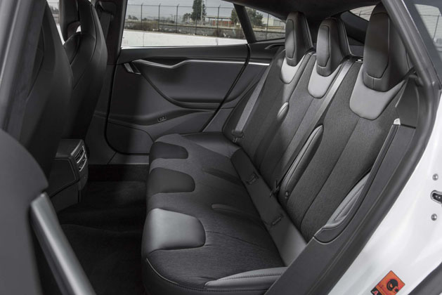 2017-tesla-model-s-p100d-rear-interior-seats