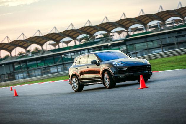 Porsche Malaysia 推介驾驶课程,所有Porsche车款都可参加!