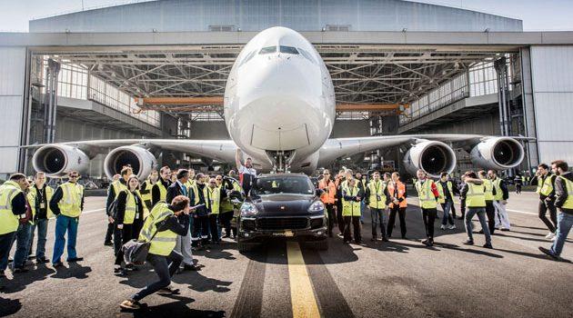 Porsche Cayenne S Diesel 不止动力强劲,还可以拉动A380!
