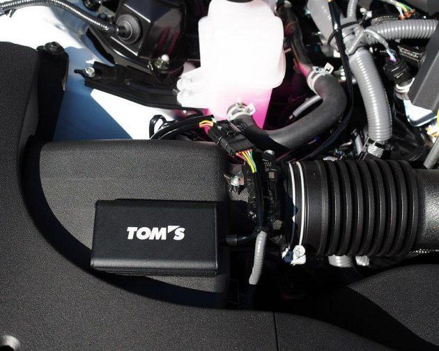 Toyota C-HR 补品到!TOM'S推出两款动力改装部件 。