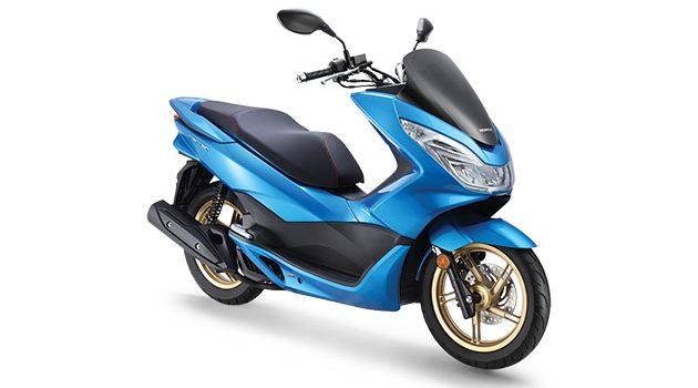 Honda PCX 节能先进 scooter !现在有全新的颜色 Candy Caribbean Bluesea!