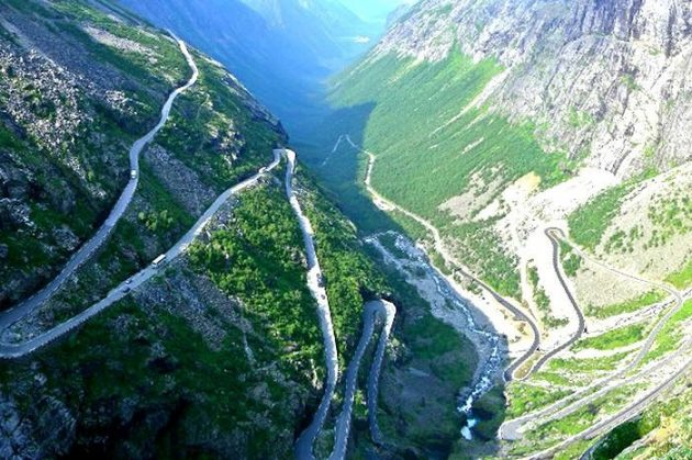 Dangerous Road 十大危险公路,你敢开上去吗?