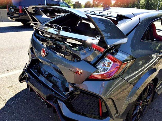 Honda Civic Type R 最悲惨的遭遇,刚领车就被追尾!