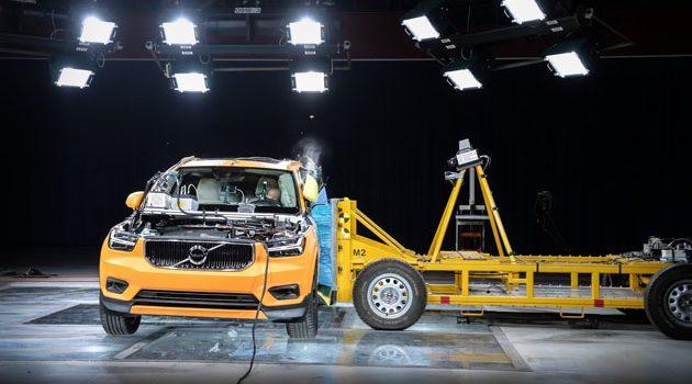 Volvo XC40 撞击测试影片释出!谁说小车不安全?