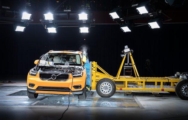 Volvo XC40 撞击影片释出!谁说小车不安全?