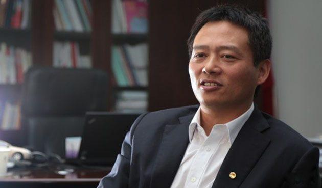 首位非大马人CEO, Dr Li Chunrong 的故事!