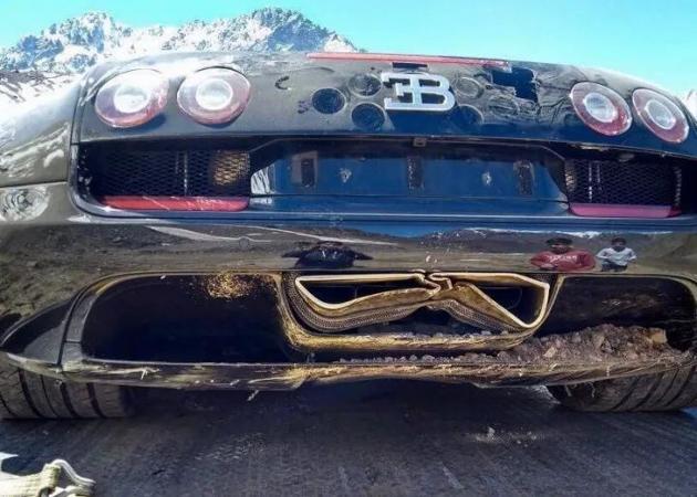 最美的交通意外! Bugatti Veyron 冲出雪山!