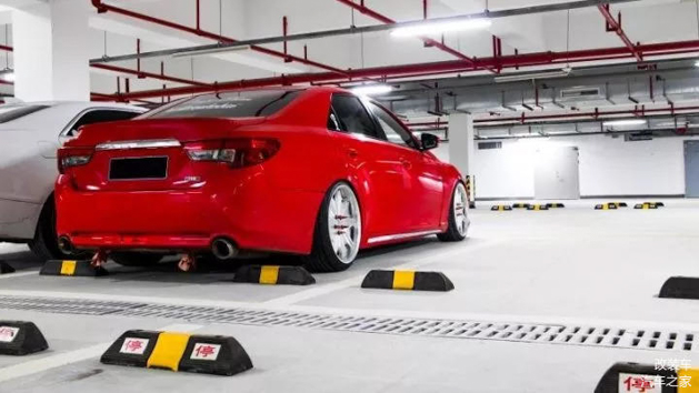 toyota-mark-x-ferrari-red-019