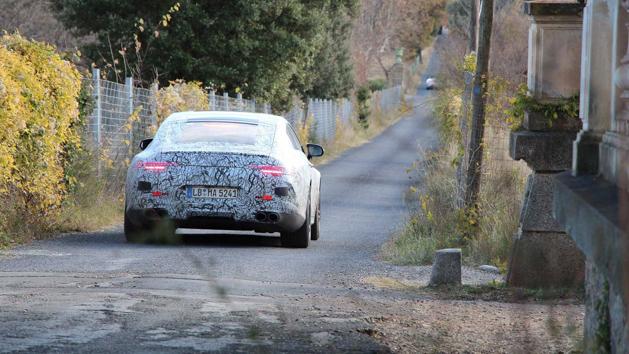 最新四门旗舰房跑, Mercedes-AMG GT Coupe 三月登场!