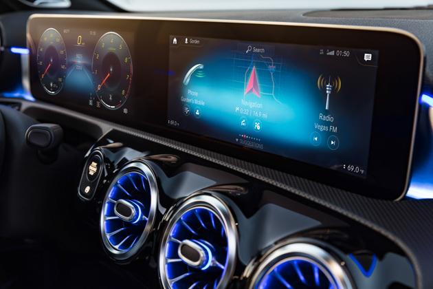 入门但还是丰富!Mercedes-Benz A-Class 2018 配备解说!
