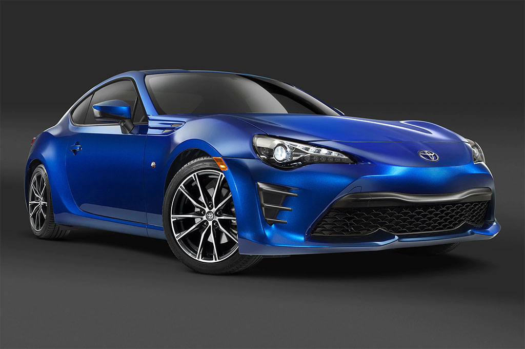 http://st.motortrend.com/uploads/sites/10/2016/07/2017-Toyota-86-front-three-quarter-1.jpg