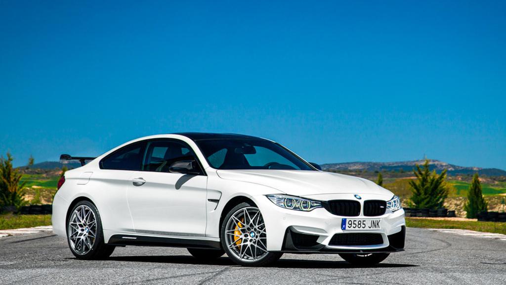 双门大战! BMW M4 与 Mercedes-AMG C63 S 谁称王?