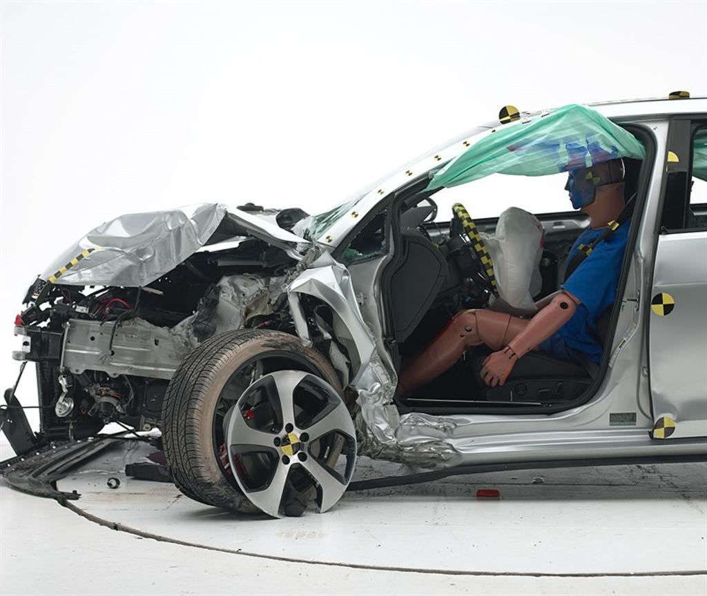日系对决德系, Mazda3 与 Volkswagen Golf 谁更安全?