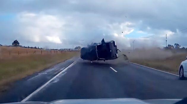Seat Belt 有多重要?看看这辆 Nissan Navara 就知道了!