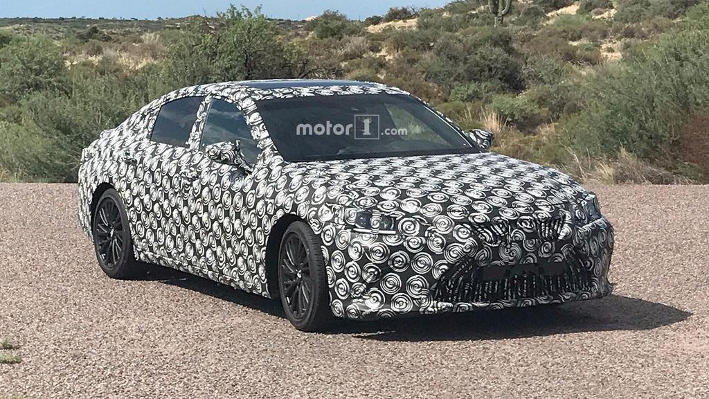 2019 Lexus ES 实车照曝光,告别稳重!