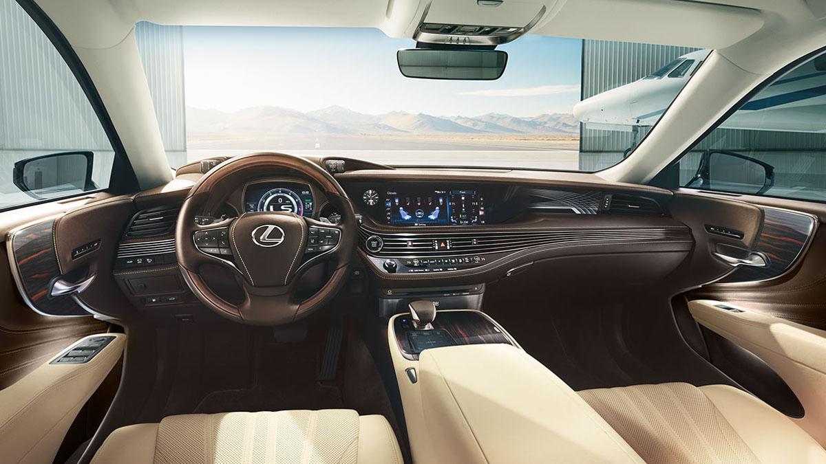 2018 Wards 10 Best Interiors ,Toyota Camry 入围!