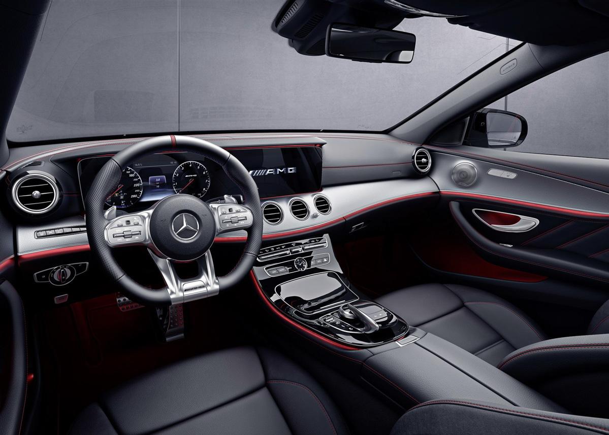 Mercedes-AMG E 53 Sedan 发布,429 hp 的直列六缸房跑!
