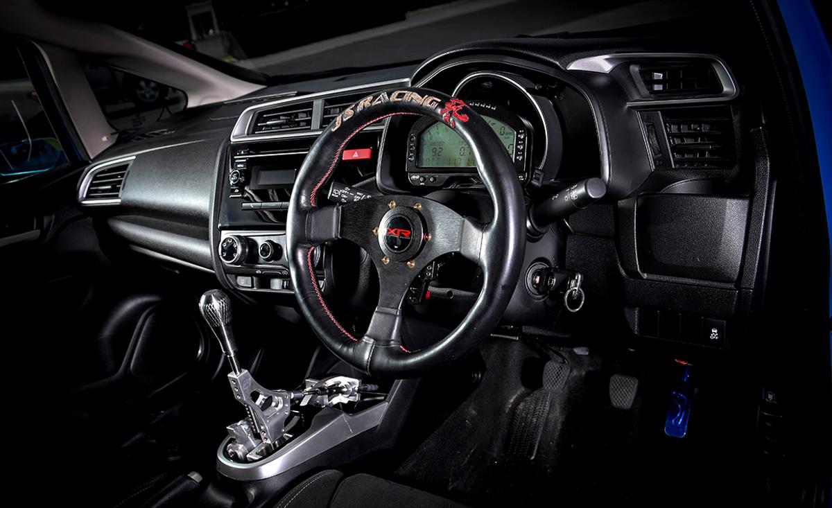 275 hp 的红头兵! Honda Jazz 换装 K20A 再扩缸!