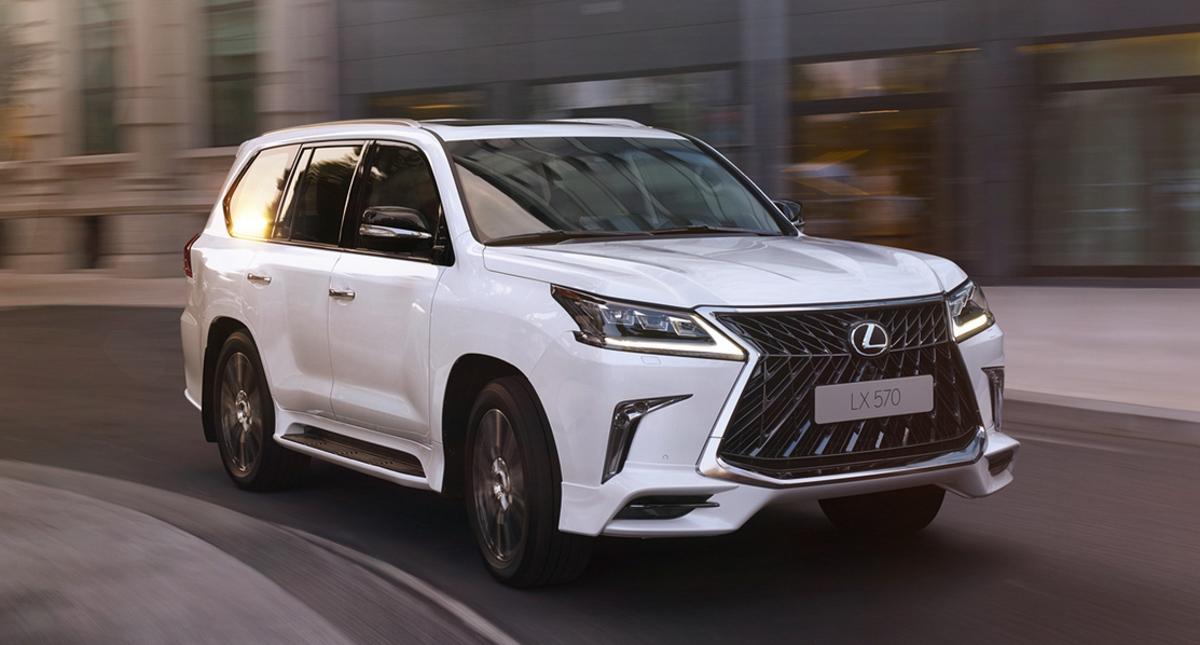 向大哥致敬! Toyota Innova 换装仿 Lexus 套件!
