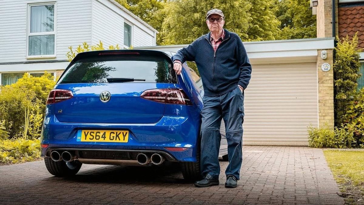 最帅阿公!75岁老翁开着 600hp 的 Volkswagen Golf R !