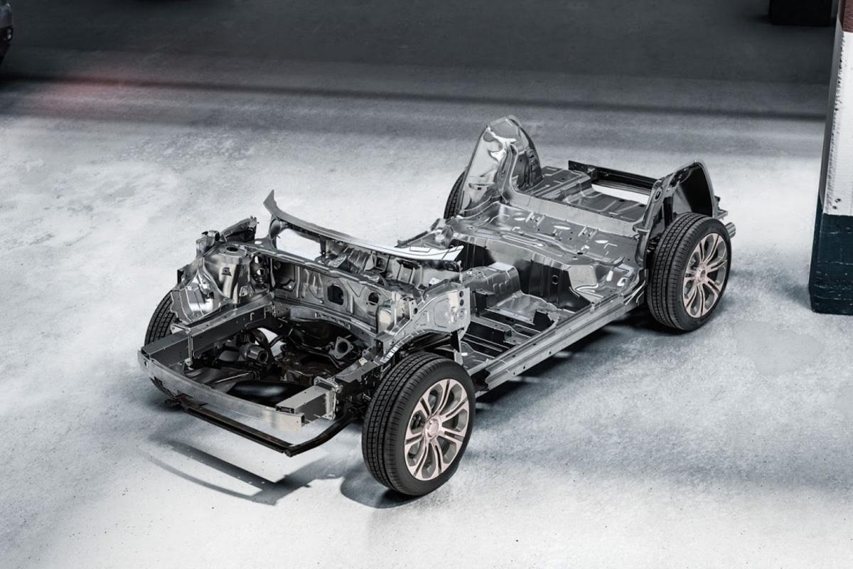 Lynk & Co 01 在 C-NCAP 碰撞测试荣获5星+成绩!