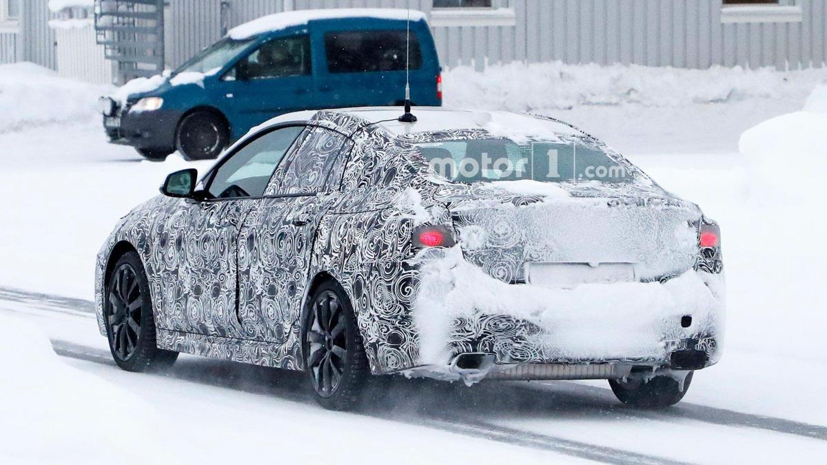 不让 CLA 专美! BMW 2 Series Gran Coupe 现身测试!