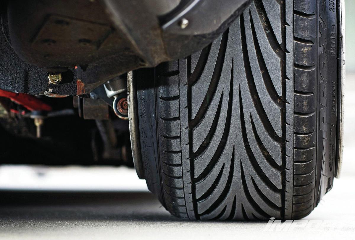 改装小知识:前驱车安装 Staggered Wheel 有何影响?