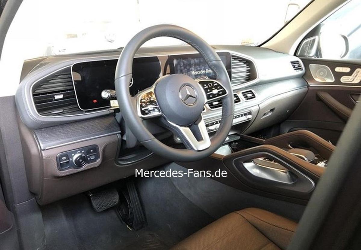 不一样的风格? Mercedes-Benz GLE 内装设计全曝光!