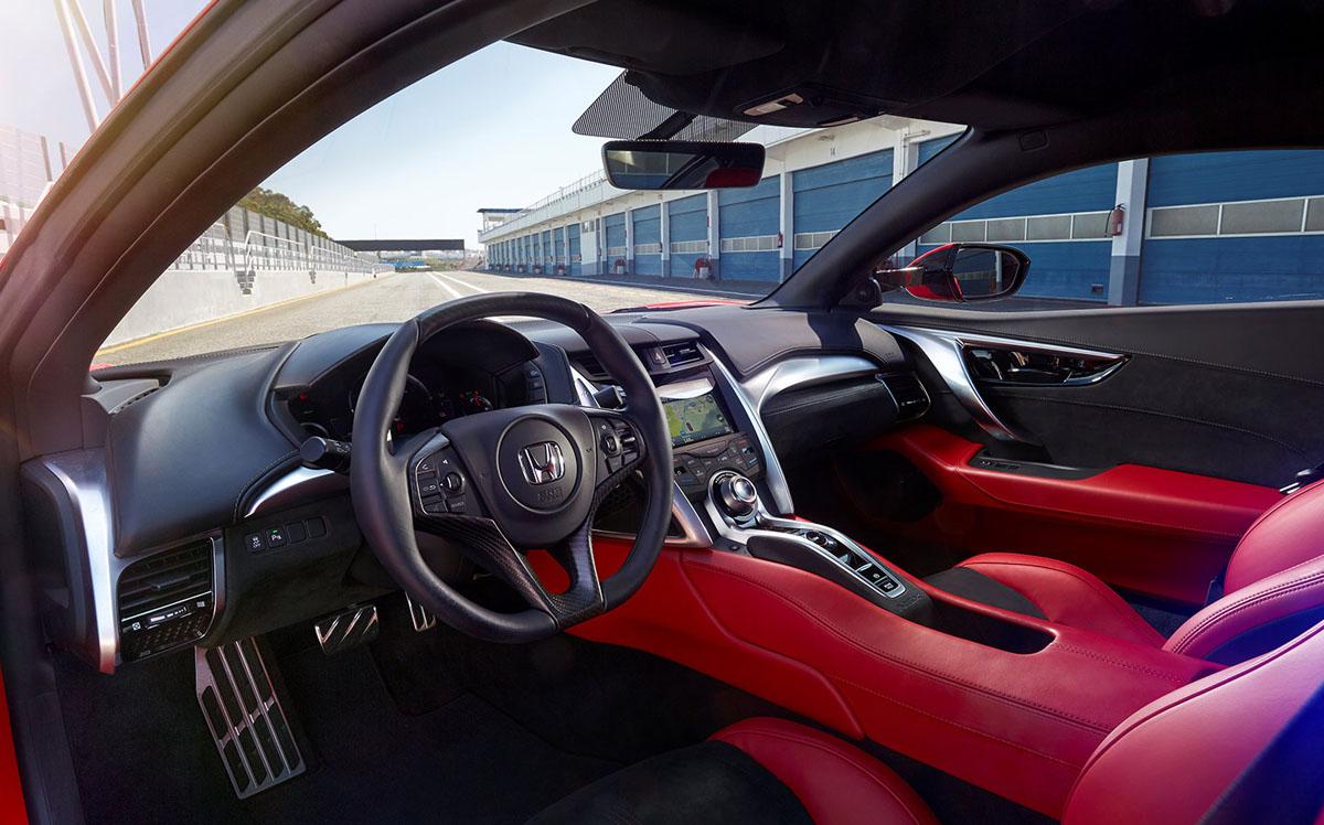 Honda NSX 开始进入我国市场,超过100万的价格你觉得怎么样?